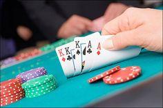 ikut taruhan di beberapa tempat tanpa perlu menggunakan jasa pemain joki professional, pasalnya aplikasi yang disediakan Agen Judi Poker Online memudahkan anda
