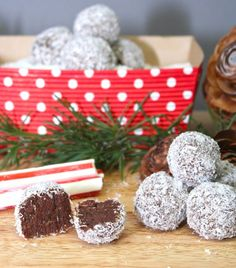 Paleo Peppermint Fudge Snowballs are a fun and healthy winter treat!