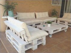 Pallet Outdoor Furniture 30 Admirable Patio Furniture With Wood Pallet Ideas Diy Wood Pallet, Pallet Sofa, Pallet Ideas, Wood Pallets, Pallet Lounge, Pallet Walls, Palette Furniture, Furniture Decor, Furniture Design