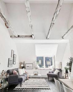 """L'inspiration """"WAOUH"""" du jour ? ou même de la semaine ? La voici 😍 et moi je vous souhaite une très belle soirée ⭐️ Hemoon.fr #inspiration #scandinave #volume #loft #espace #home #maison #architecture #intérieur #interior #déco #décoration #photodujour #ambiance #blogdéco #blogger #industriel #maisonaddict #décoaddict Source : Découvrir l'endroit du décor"""