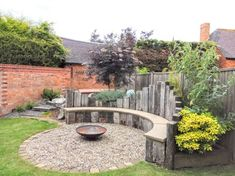 Corner Garden Seating, Backyard Seating, Outdoor Seating Areas, Fire Pit Backyard, Diy Garden Seating, Garden Seats, Patio, Circular Garden Design, Back Garden Design