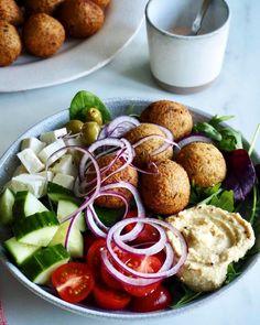 Supersunne kjeks (til frokost) - Mat På Bordet Thai Larb, Frisk, Cobb Salad, Curry, Cilantro, Curries
