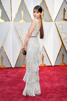Olivia Culpo arrives in Marchesa on the Oscars red carpet for the 89th Academy Awards.