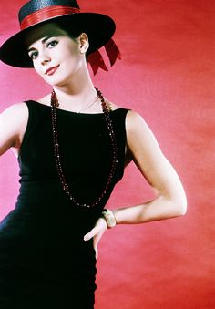Natalie Wood, c. 1962 via http://hollywoodlady.tumblr.com/
