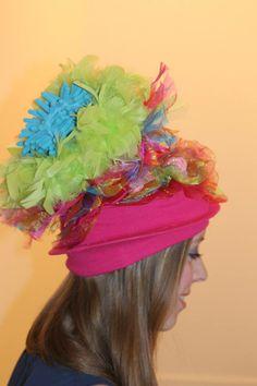 Zie voor meer hoeden, facebook carnavalshoeden, allen handgemaakt
