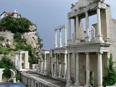 Risultati immagini per plovdiv anfiteatro Ancient Rome, Ancient History, Bulgaria, Lonely Planet, Roman Theatre, Voyage Europe, Ancient Architecture, Roman Architecture, Travel And Tourism