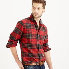 We make our heavyweight flannel shirts the old-fashioned way by using heavy-duty cotton that's warm, durable and brushed for a softer texture. In keeping with that traditional spirit, we cut them in our vintage fit, which includes a little extra length and room in the waist. <ul><li>Cotton.</li><li>Point collar.</li><li>Machine wash.</li><li>Import.</li></ul>