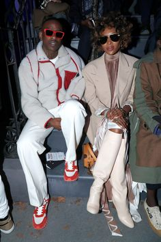 All the Front Row Celebrities at Men's Fashion Week Fall 2019 Men's Fashion, Vs Fashion Shows, Mens Fashion Week, Fashion Photo, Paris Fashion, Naomi Campbell, Daily Street Looks, David And Victoria Beckham, La Mode Masculine