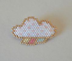 Broche nuage blanc et doré en perles Miyuki de la boutique Liliazalee sur Etsy