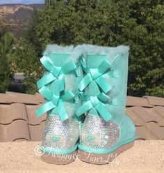Swarovski Uggs - Bling Surf Spray Bailey Bow Uggs with Swarovski Crystal Bling Boot Heel - Mint Uggs with Crystal Bling by TwiggyAndTigerLily on Etsy Milan Fashion Weeks, New York Fashion, Original Ugg Boots, Ugg Boots Sale, Uggs For Cheap, Boot Bling, Bailey Bow, Site Nike, Victorias Secret Models