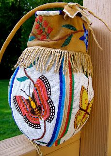 Finally, I have got the butterfly bag done. Certainly a different type of subject matter for me which was a challenge. Indian Beadwork, Native Beadwork, Native American Beadwork, Beaded Purses, Beaded Bags, Butterfly Bags, Butterfly Design, Seed Bead Art, Native American Crafts