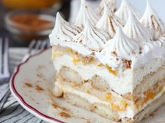 Transform your peach pie filling with this No-Bake Peach Icebox Cake. Layers of bourbon and cinnamon soaked ladyfingers, mascarpone cheese and peach pie filling. Homemade Pie, Homemade Desserts, Easy Desserts, Dessert Recipes, Eggless Desserts, Delicious Desserts, Canning Peach Pie Filling, Gluten Free Sandwich Bread Recipe, Canning Peaches