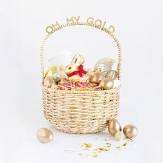 Talkin' all about Easter baskets for your gal pals over on @SheKnows today with @lindt_chocolate! 'Cause what's more fun than filling a basket with glitter polish, disco balls and chocolate for your besties!? Head over there for the full scoop! #LindtGoldBunny #OhMyGold