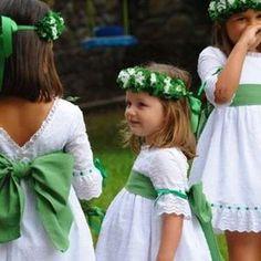 Trajes para los niños de arras: Fotos de diseños - Corteniñas de las arras, diseño en color blanco y verde