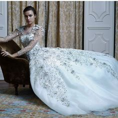 @alexandra_fructuoso/@davidsonzanine  apresenta sua última campanha com @irinashayk #vestidodenoiva #davidsonzaninecelebrities #brevenovoendereço #luxo #festa #noivas by msg_sonia
