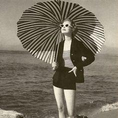 Treasure Island Beach, Umbrella Photography, Indian Rocks Beach, Madeira Beach, Vintage Outfits, Vintage Fashion, Photo Vintage, Vintage Beach Photos, Look Retro