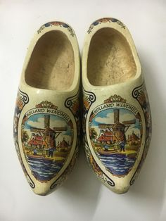 """Luxury Decor Wooden Shoes Poly Hand Painted Carved Holland Windmill Dutch 8"""" ART Beautifully decorated wooden shoes with all the typical Dutch icons you can think of! Easy to maintain and clean, a damp towel once in a while will do the trick. Old masterpiece is very beautiful hand-work stereoscopic engraved with very beautiful details very valuable piece of meaning and can be used in many things"""