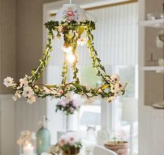 Shabby Chic Home Decor Lampshade Chandelier, Flower Chandelier, Lampshades, Flower Lampshade, Old Lamp Shades, Rustic Lamp Shades, Light Shades, Lustre Shabby Chic, Lamp Shade Frame
