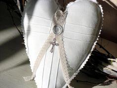 Weißes Herz mit Vintagespitze! von White Roses auf DaWanda.com - VERKAUFT -