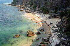 A rocky mountain in 'Acapulco Beach' provides a backdrop to a curved beach in San Fernando, La Union. San Fernando is the capital city of La Union and the regional center of the Ilocos Region La Union Philippines, Ilocos, San Fernando, Capital City, Manila, Rocky Mountains, Wander, Backdrops, Surfing