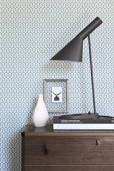 AJ table lamp by Arne Jacobsen from Louis Poulsen and Wallpaper pattern by Arne Jacobsen, Scandinavian Designers Wallpapers from BoråsTapeter Skandinavisch Modern, Midcentury Modern, Modern Design, Arne Jacobsen, Retro Wallpaper, Pattern Wallpaper, Wallpaper Designs, Print Wallpaper, Amazing Wallpaper