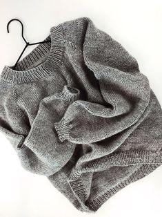 Easy Sweater Knitting Patterns, Knit Patterns, Knitting Sweaters, Free Knitting Patterns For Women, Sweater Patterns, Raglan Pullover, Circular Knitting Needles, Knitting Stitches, Knit Crochet