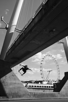 Vans Skate team rider Daniel Lutheran. Artistry on the Thames. Photo by Acosta
