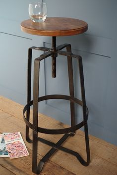 Our industrial swivel bar stool would fit perfectly in an urban kitchen. Adjustable in height it's ideal for a bar or island unit.