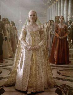The Borgias - Lucrezia Borgia's wedding gown from the Italian Renaissance Italian Renaissance Dress, Mode Renaissance, Costume Renaissance, Renaissance Wedding, Renaissance Dresses, Renaissance Fashion, Medieval Dress, Medieval Clothing, Tudor Dress