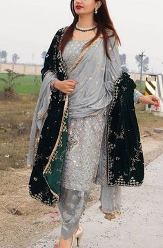 Punjabi Salwar Suits, Patiala Salwar, Anarkali, Salwar Suits Party Wear, Punjabi Dress, Pakistani Dresses, Indian Dresses, Indian Outfits, Lehnga Dress