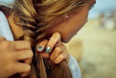 Hair Tutorials : Fishtail braid
