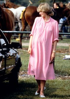 Princess Diana in 1982, pregnant with Prince William.