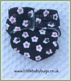Black Pink Fuchsia Daisies Cloth Nappy / by LittleBabybugsLtd, £15.00
