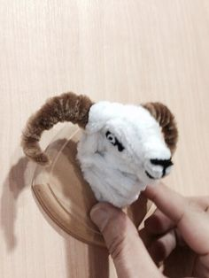 Pipe cleaner sheep
