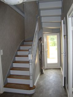 Escalier blanc et bois escaliers pinterest for Peindre armoire bois en blanc