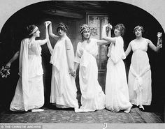 Agatha Christie, pictured centre, at a dance class in Torquay in 1904 Vintage Everyday
