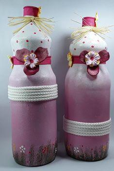 Painted Wine Bottles, Bottles And Jars, Plastic Bottles, Diy Bottle, Bottle Art, Bottle Crafts, Mason Jar Crafts, Mason Jars, Wine Bottle Flowers