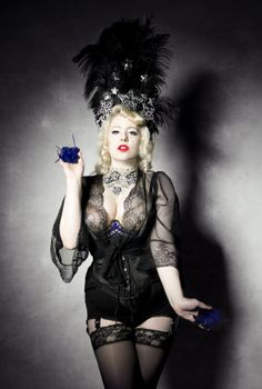 Angelina Angelic - showgirl, burlesque dancer and singer from Prague