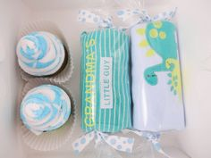 """Grandma's little guy"" gift set - washcloth cupcakes  #babyshower #dinosaur #etsyshop"