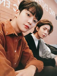 Ro woon and Hwi young Knk Kpop, Neoz School, Sf9 Taeyang, Sf 9, Fandom, Strong Family, Best Boyfriend, Fnc Entertainment, Soyeon