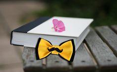 Галстук бабочка двукрылая черно-желтая с усиками