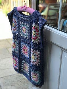 Crochet Vest Pattern, Granny Square Crochet Pattern, Crochet Flower Patterns, Crochet Granny, Diy Crochet, Crochet Top, Crochet Jumper, Crochet Cardigan, Granny Square Sweater