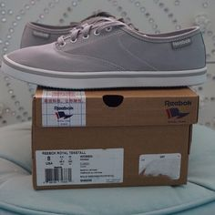 LISTING REEBOK WOMEN ROYAL TENSTALL SIZE 8 -BRAND NEW IN BOX -SIZE: 8 -DESCRIPTION: LACE-UP FRONT; TEXTILE LINING; CANVAS UPPER; RUBBER SOLE  -COLOR: SOLID GREY/WHITE/CRYSTAL           ⭐RATED SELLER  FAST SHIPPER NEXT DAY SHIPPING  ❌NO TRADE ❌NO PAYPAL  ✅BUNDLE OFFER Reebok Shoes Sneakers