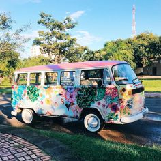 Volkswagen – One Stop Classic Car News & Tips Maserati, Bugatti, My Dream Car, Dream Cars, Disney Cars, Hippie Camper, Kombi Home, Vw Vintage, Vintage Ideas