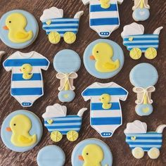 Baby Shower Ideas For Boys Themes Blue Rubber Duck Ideas For 2019 - Babyshower - Diy Baby Shower Centerpieces, Baby Shower Decorations For Boys, Boy Baby Shower Themes, Baby Shower Gifts, Diy Centerpieces, Ducky Baby Showers, Baby Shower Duck, Rubber Ducky Baby Shower, Rubber Ducky Party