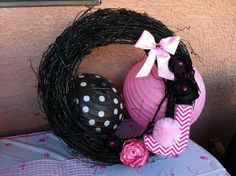Baby Shower wreath By Super Glam Party Decorations Follow us on F!
