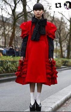 30歲的日本紅模秋元梢 (Kozue Akimoto),雖然身高得164cm,說不上是專業model...