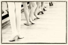 https://flic.kr/p/BVwLfX | Beinarbeit | Arbeit an der Ballettstange.