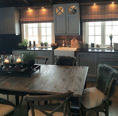 Me gusta, 30 Comentarios - Chris . Rustic Kitchen, Country Kitchen, Kitchen Decor, Kitchen Design, Cozy Kitchen, Comedor Office, Cocina Office, Cocinas Kitchen, Cabin Interiors