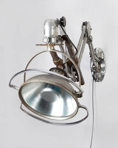 Industrial Articulated Aluminum and Chrome Swing-Arm Sconce, circa 1930 5 Vintage Wall Lights, Vintage Lamps, Vintage Industrial, Industrial Floor Lamps, Industrial Lighting, Lamp Design, Lighting Design, Lamp Light, Light Bulb